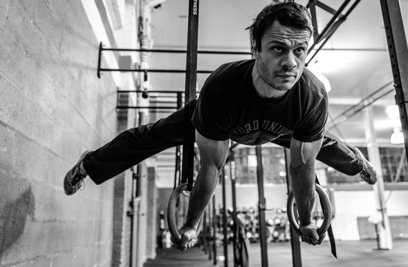 Mouvements de gymnastique en crossfit